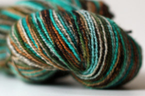A new yarn (and free shipping this weekend)